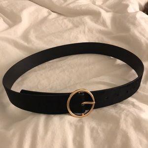 Black velvet circle buckle belt